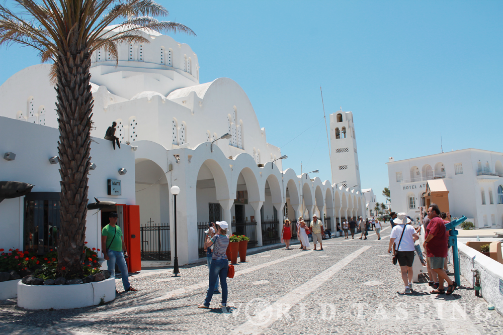 The Orthodox Metropolitan Cathedral in Fira, Santorini