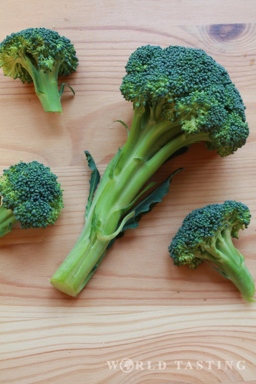 Spicy creamy broccoli soup, a healthy recipe
