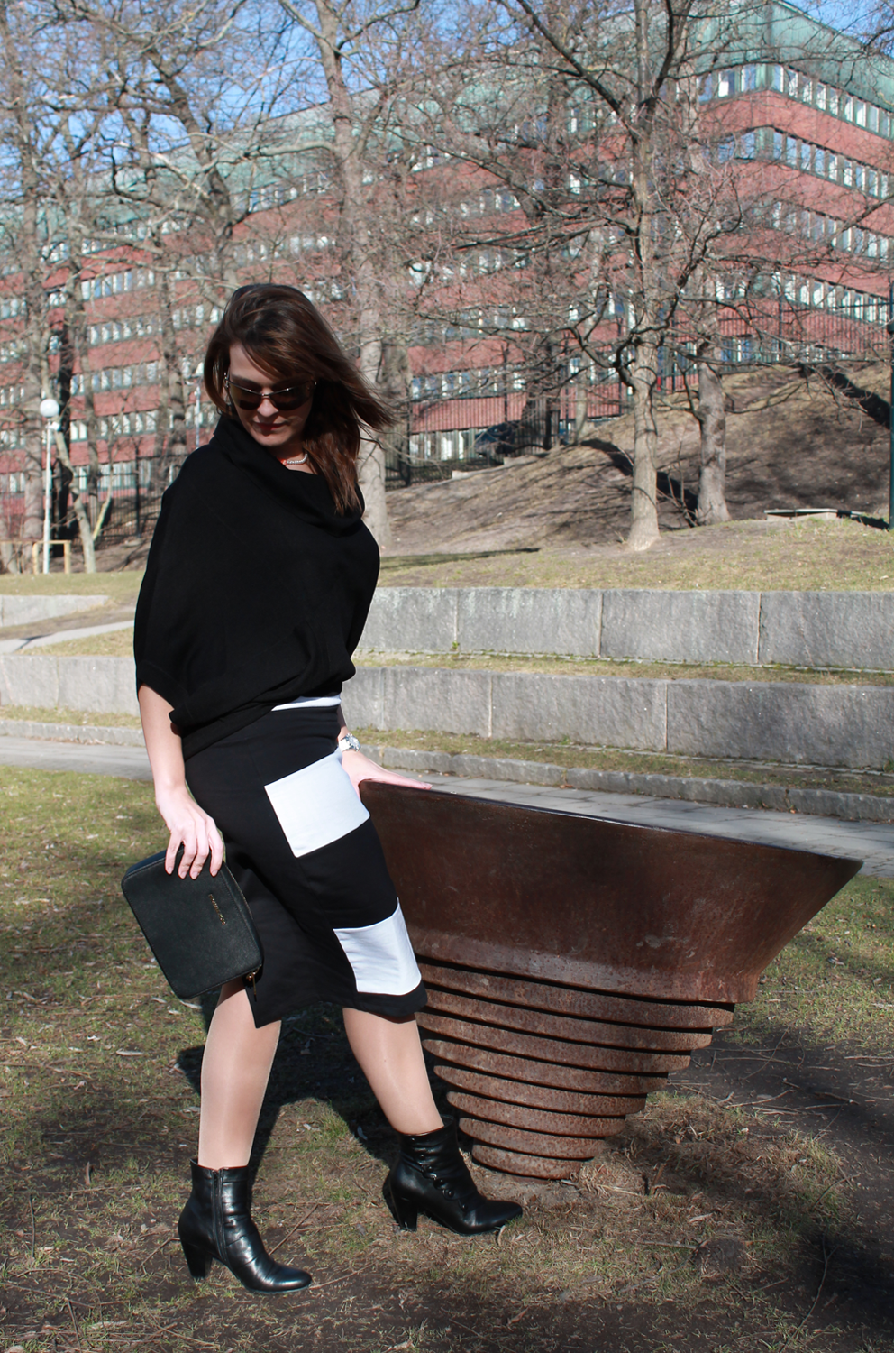 Black & White with ASOS Pencil Skirt and Michael Kors Jetset Crossbody