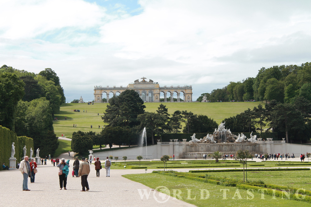 Schönbrunn Palace - view to the Gloriette - Vienna